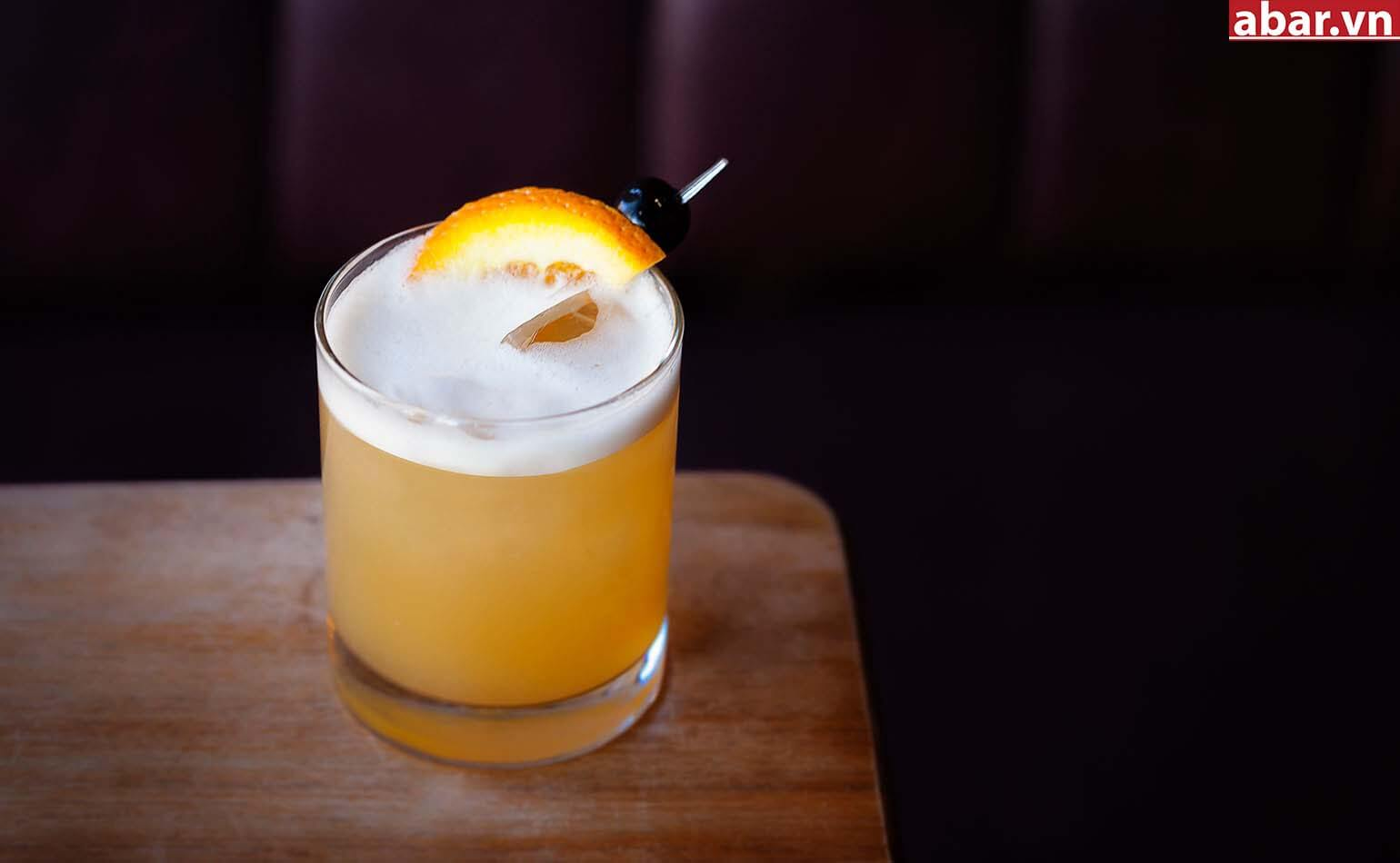 Article-Best-Whiskey-Sour-Cocktail-Recipe-1